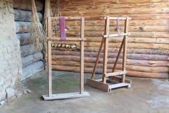 O dispositivo de madeira para a produção de tela da Idade do Bronze Imagem de Stock Royalty Free