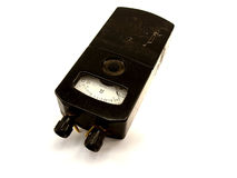 O dispositivo elétrico velho um ohmmete foto de stock