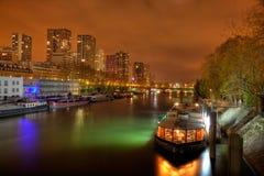 O distrito de Grenelle em a noite Imagens de Stock