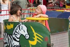 O divertimento da criança em um gosto de Colorado Imagens de Stock
