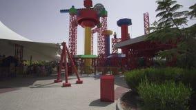 O divertimento e o entretenimento na imaginação do território de Legoland em parques e em recursos de Dubai armazenam o vídeo da  vídeos de arquivo