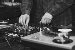 O DJ conduz botões Imagem de Stock