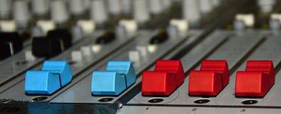 O DJ mistura Fotografia de Stock Royalty Free
