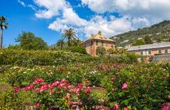 O ` do IL Roseto do ` do jardim de rosas em Genoa Genova Nervi, dentro de Genoa Nervi Parks, Itália fotos de stock