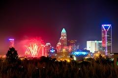 4o do skyshow charlotte nc dos fogos-de-artifício de julho Foto de Stock