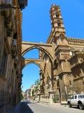 O domo em Palermo, Itália imagens de stock royalty free