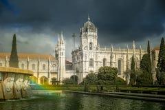 O dos Jeronimos de Mosteiro do monastério de Hieronymites, situado no distrito de Belém de Lisboa, Portugal Fotos de Stock