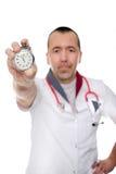 O doutor mostra o importante da medicina preventiva foto de stock