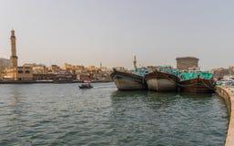 O Dubai Creek, cidade velha Dubai foto de stock royalty free