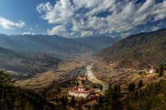 O dzong de Rinpung em Paro, Butão Fotografia de Stock Royalty Free