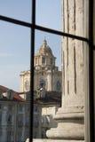 O edifício italiano disparou através do vidro velho Foto de Stock Royalty Free