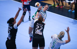 O EHF das mulheres patrocina a liga - CSM BUCARESTE contra GYORI AUDI ETO KC Fotografia de Stock Royalty Free