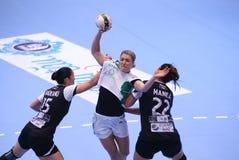 O EHF das mulheres patrocina a liga - CSM BUCARESTE contra GYORI AUDI ETO KC Fotografia de Stock