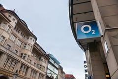 O2 embleem op hun hoofdwinkel van München O2 is één van de de belangrijkste telefoondragers en Internet-dienstverleners in Duitsl Royalty-vrije Stock Afbeelding