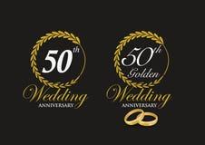 50.o emblema del aniversario de boda de oro imagenes de archivo