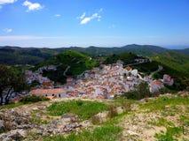 O encantamento, branco pintou a vila de Sedella, Espanha Foto de Stock Royalty Free
