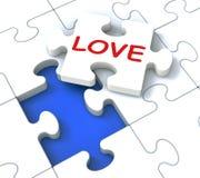 O enigma do amor mostra pares loving Fotos de Stock Royalty Free