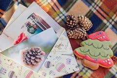 O envelope com as fotos Imagens de Stock Royalty Free