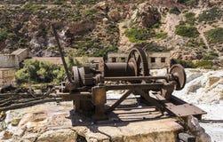 O enxofre abandonado mina, Milos ilha, Cyclades, Grécia Imagens de Stock
