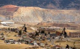 O equipamento das atividades da mineração abriga o montículo Montana EUA de Walkerville fotos de stock royalty free