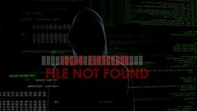 O erro não encontrado do arquivo, tentativa de corte mal sucedida, o codificador masculino obtém furioso filme