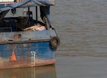 O esboço da casca de um navio com linha de flutuação Foto de Stock Royalty Free