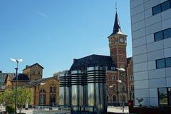 O escritório na água de Colônia de Rheinauhafen, Alemanha do mestre velho do porto Imagem de Stock Royalty Free