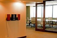 O espaço de escritórios Imagens de Stock Royalty Free