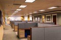 O espaço de escritórios vazio Fotografia de Stock Royalty Free
