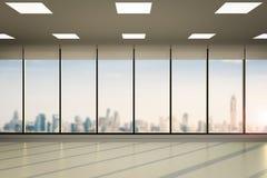 O espaço de escritórios vazio Fotos de Stock Royalty Free