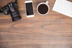 O espaço de trabalho do fotógrafo com espaço da cópia foto de stock royalty free