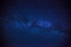 O espaço colorido disparou em mostrar a galáxia da Via Látea do universo com estrelas Fotografia de Stock