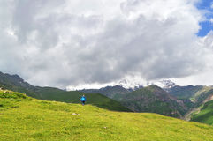 o esplendor das montanhas de Cáucaso Fotos de Stock