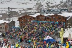O esquiador compete dentro durante o super de Audi FIS o Ski World Cup Women alpino combinado o 28 de fevereiro de 2016 em Soldeu imagens de stock royalty free