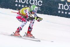 O esquiador compete dentro durante o super de Audi FIS o Ski World Cup Women alpino combinado o 28 de fevereiro de 2016 em Soldeu foto de stock royalty free