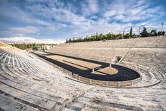 O estádio de Panathenaic em Atenas, Grécia hospedou os primeiros Jogos Olímpicos modernos em 1896, igualmente sabido como Kalimar fotografia de stock royalty free