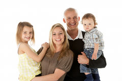 O estúdio disparou do grupo da família no estúdio Imagem de Stock Royalty Free