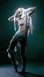 O estúdio disparou do modelo magro que levanta como a mamã assustador Fotografia de Stock Royalty Free