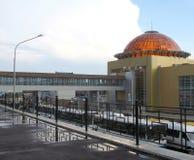 O estação de caminhos-de-ferro, Rússia, cidade, Ufa, chuva do verão Fotografia de Stock Royalty Free