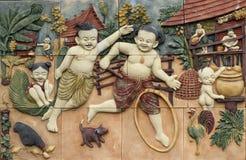 O estilo tailandês handcraft jogos da cultura de Tailândia na parede imagens de stock