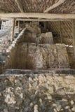 O estuque figura no templo das máscaras em Kohunlich, Quintana Roo, México fotografia de stock