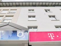 O2 et Telekom Images libres de droits