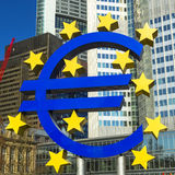 O Euro assina dentro Francoforte Imagens de Stock Royalty Free