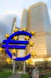 O Euro assina dentro Francoforte - am - Alemanha principal Foto de Stock
