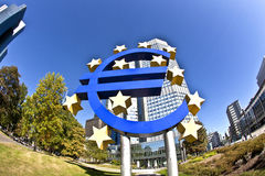 O EURO assina dentro Francoforte - am - cano principal Imagem de Stock
