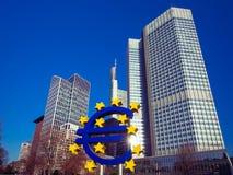 O Euro assina dentro Francoforte - am - cano principal, Alemanha Imagens de Stock Royalty Free