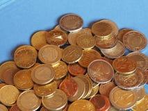 O Euro inventa, União Europeia sobre o azul com espaço da cópia Imagem de Stock