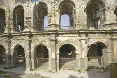 O exterior da arena de Arles, das épocas romanas antigas, pode guardar 24.000 espectadores, Arles, França Fotografia de Stock Royalty Free