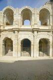 O exterior da arena de Arles, das épocas romanas antigas, pode guardar 24.000 espectadores, Arles, França Fotografia de Stock