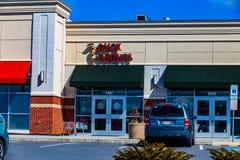 O exterior de Duck Donuts Store fotos de stock royalty free